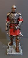 statuetta guerriero con elmo spada armatura statuine da collezione orme magiche