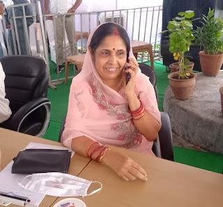केंट बोर्ड चुनाव महू में अरुणा कैलाश दत्त पांडे उपाध्यक्ष बनी