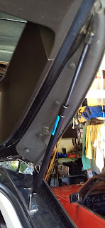 caddy srx or saab 9-4x liftgate support