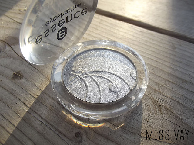 Essence Mono Eyeshadow - Starlight