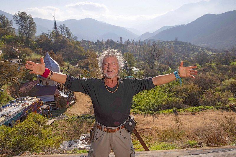 Miguel Ángel Bravo renunció a la TV y a Santiago