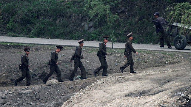 Corea del Norte reemplaza a todos sus guardias fronterizos tras la fuga de un soldado