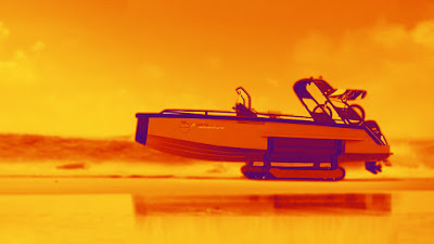 شاهد بالفيديو.. قوارب برمائية تنقل الركاب من المنزل إلى البحر