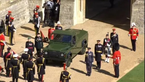Queen Elizabeth II and the UK bide farewell to her husband Prince Philip (photos)