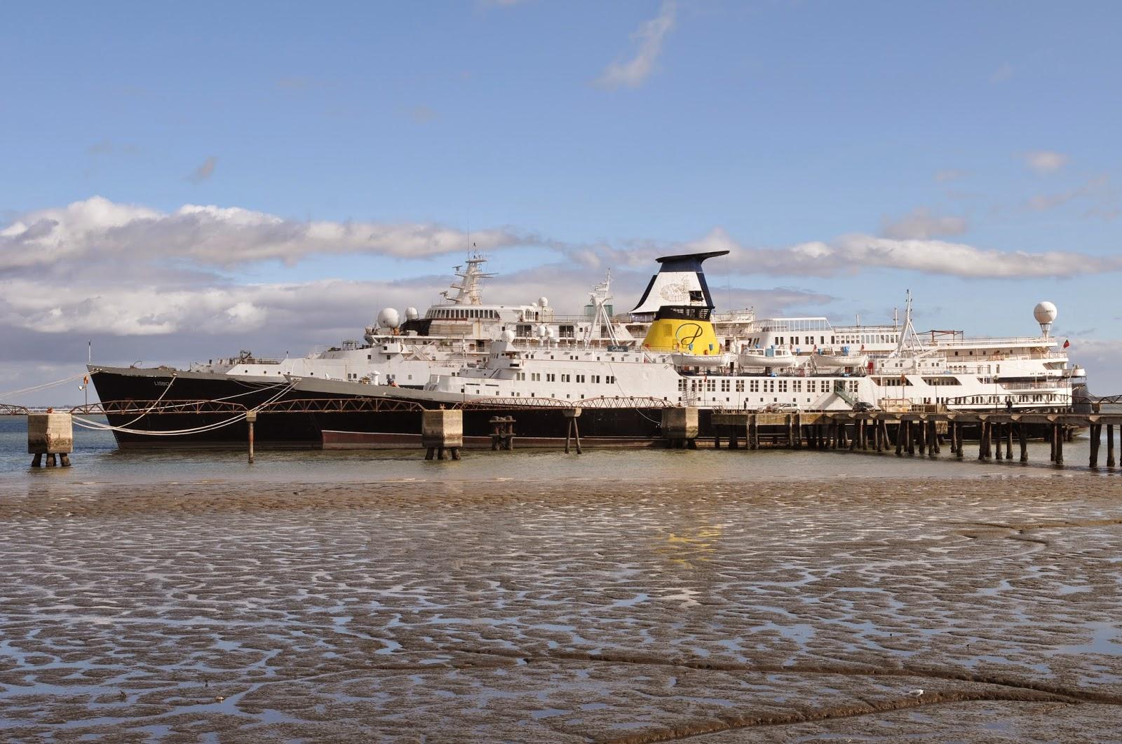 SHIPS   THE SEA - BLOGUE dos NAVIOS e do MAR  Portuguese cruise ship ... a46f1960297f5