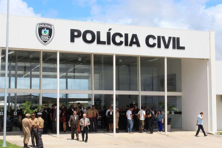 Gerente de supermercado e esposo são presos acusados de desvios de R$ 1 milhão