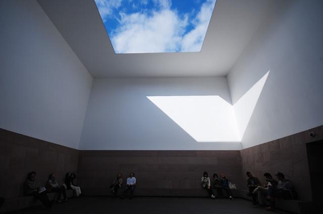 光の芸術、ジェームズ・タレル日本で見れるタレルの作品【a】