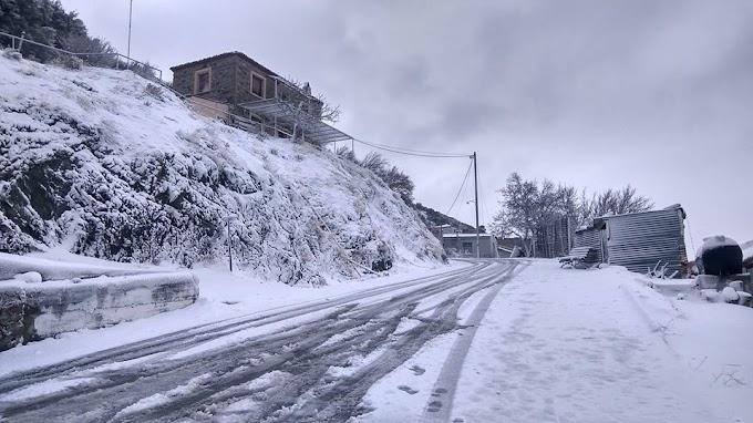Χιόνισε για τα καλά στη Λέσβο