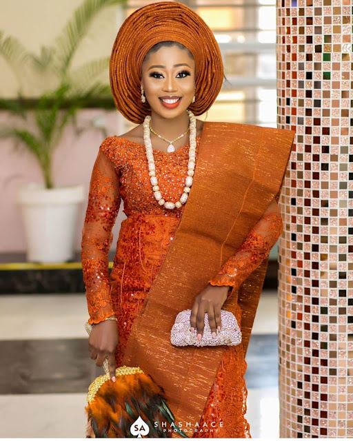 2019 Beautiful Designs of Asoebi to Copy