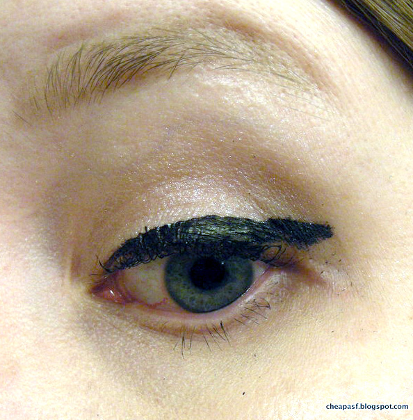 how to make your eyeliner stay on all day