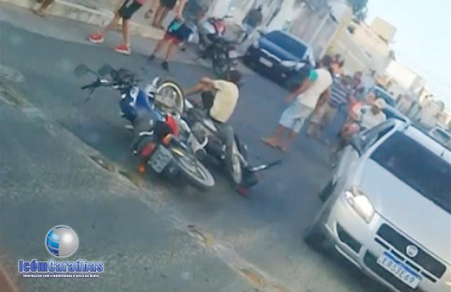 Grave acidente entre duas motos deixa três pessoas feridas em Caraúbas