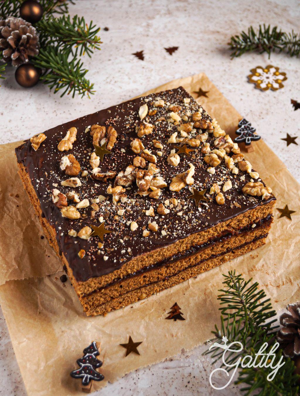 brazowe-ciasto-z-czekolada