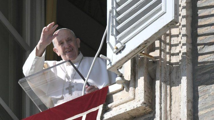 Paus Fransiskus: Iman Bekerja Melalui Cinta