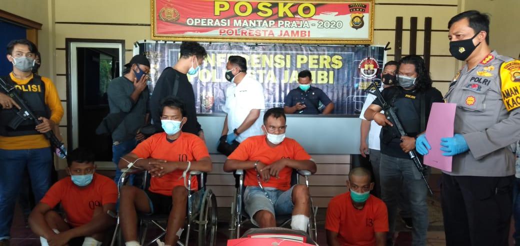 Polresta Jambi Ringkus 4 Orang Perampok Toko Emas