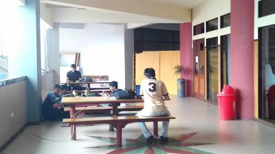 ruang tunggu aak stikom surabaya