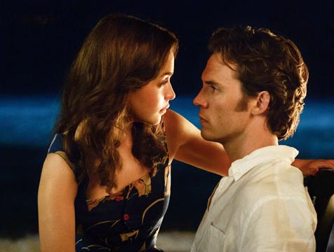 Louisa Clark (Emilia Clarke) y Will Traynor (Sam Claflin) en Yo antes de ti - Cine de Escritor