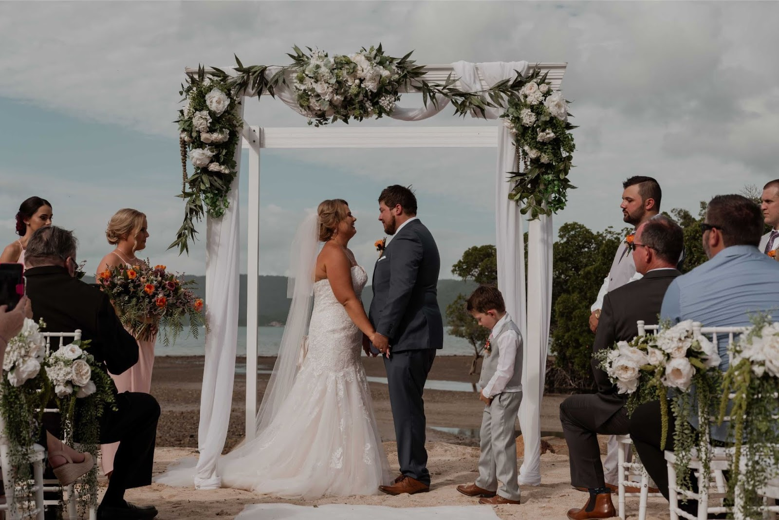 beachfront wedding venue cairns airlie beach the lost and the wild photography