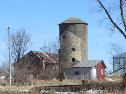 Concrete silo top