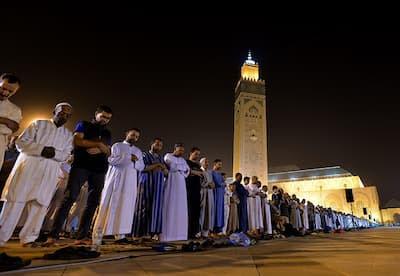 معطيات جديدة بشأن صلاة التراويح و قرار الإغلاق الليلي خلال العشر الأواخر من شهر رمضان