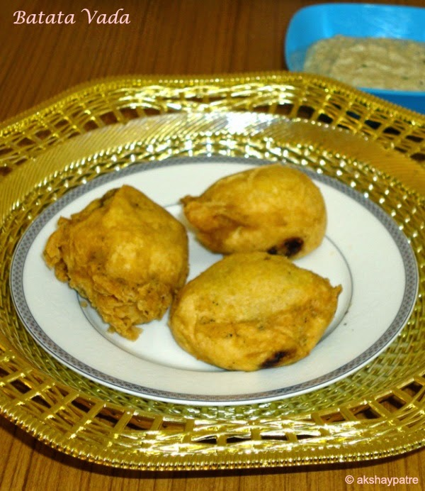 aloo bonda in a serving plate