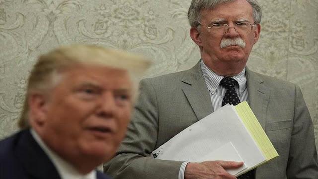 Trump presenta una demanda contra su antiguo amigo, John Bolton