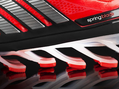 eae22e93 Недавно компания Adidas представила интересную модель кроссовок Springblade,  в которых отсутствует амортизационный материал межподошвы, а всю ударную ...