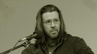 https://es.wikipedia.org/wiki/David_Foster_Wallace