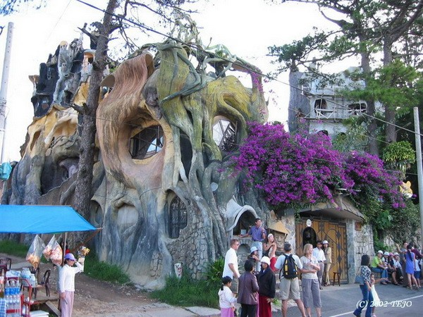 pictures of unique houses Dalat Crazy House in Vietnam, Unusual Home Design