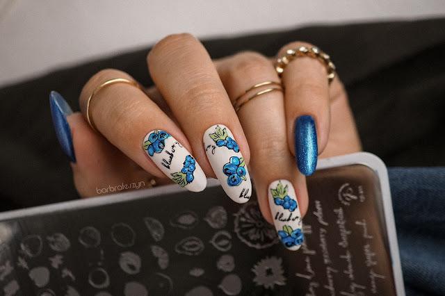 borówkowe paznokcie