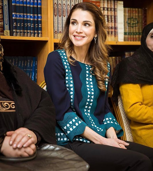 Queen Rania of Jordan visited the Community Center Association (CCA) in Al Zarqa, Jordan. Style of Queen Rania wore Balmain blouse