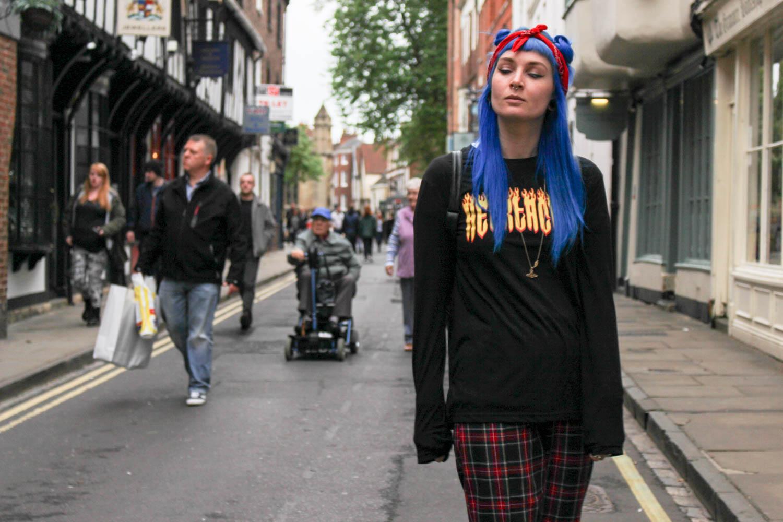 Alternative Blogger Foxxtailz