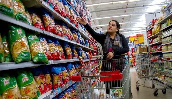 La economía argentina tercera en inflación y séptima en recesión