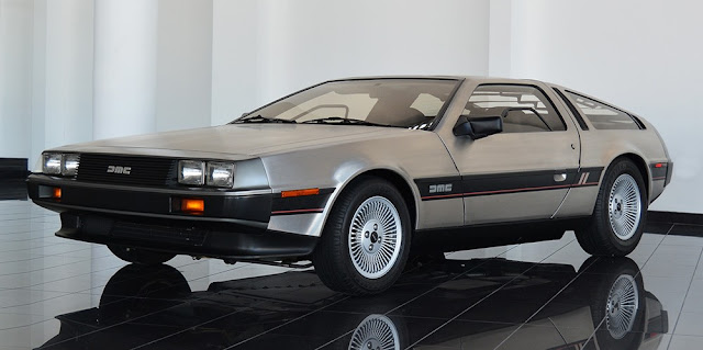 DeLorean DMC-12 1980s British sports car