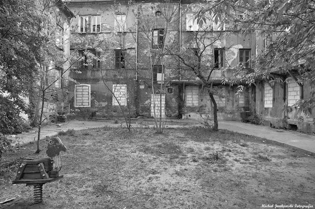 Kamienica na Okrzei 30, Warszawa