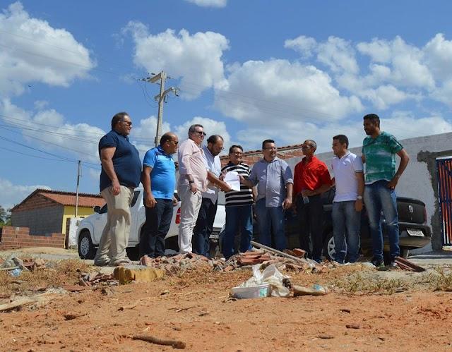 Urgente: onde ta os 100 mil da av:Terezinha Pereira em Grossos?