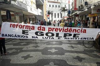 http://www.vnoticia.com.br/noticia/1653-bancarios-fazem-assembleia-pela-adesao-a-mobilizacao-do-dia-30