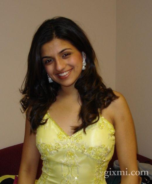 Housewife Photo: Desi Masala Navel Housewife In Hot Saree ...  Housewife Photo...