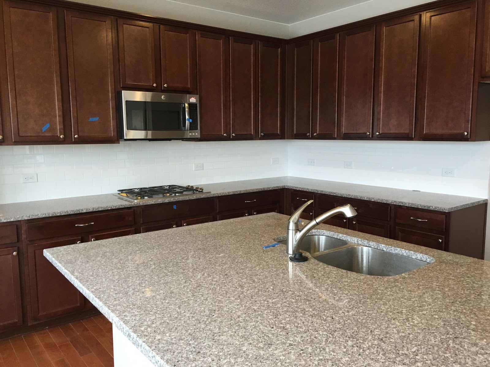 Bainbrook Brown Granite With Dark Cabinets. Advantage Bainbrook Brown  Granite Countertops