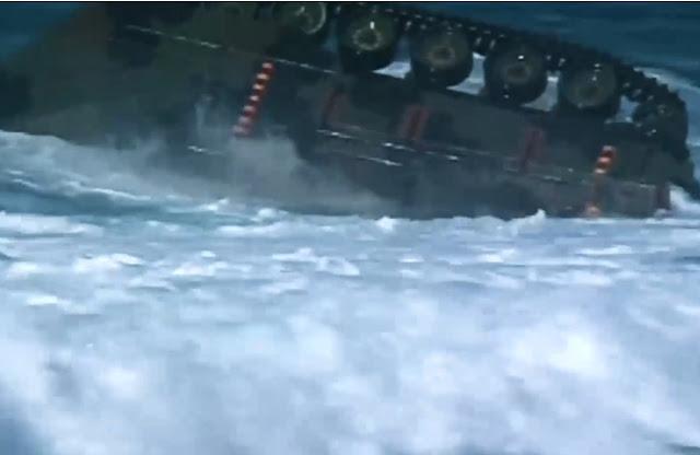 Bộ Quốc phòng Hoa Kỳ phát hành đoạn phim độc đáo về thử nghiệm xe lội nước trên ở vùng biển gồ ghề