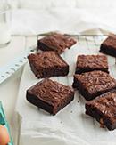 https://lachocolaterapia.blogspot.com/2020/11/brownie-de-chocolate-y-galleta.html