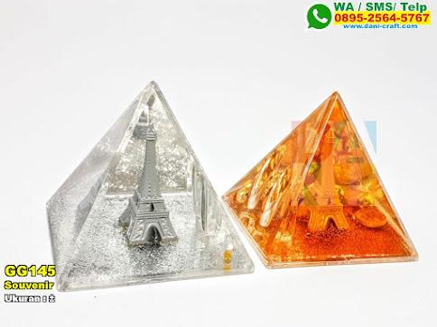 Souvenir Miniatur Menara Eiffel Kaca