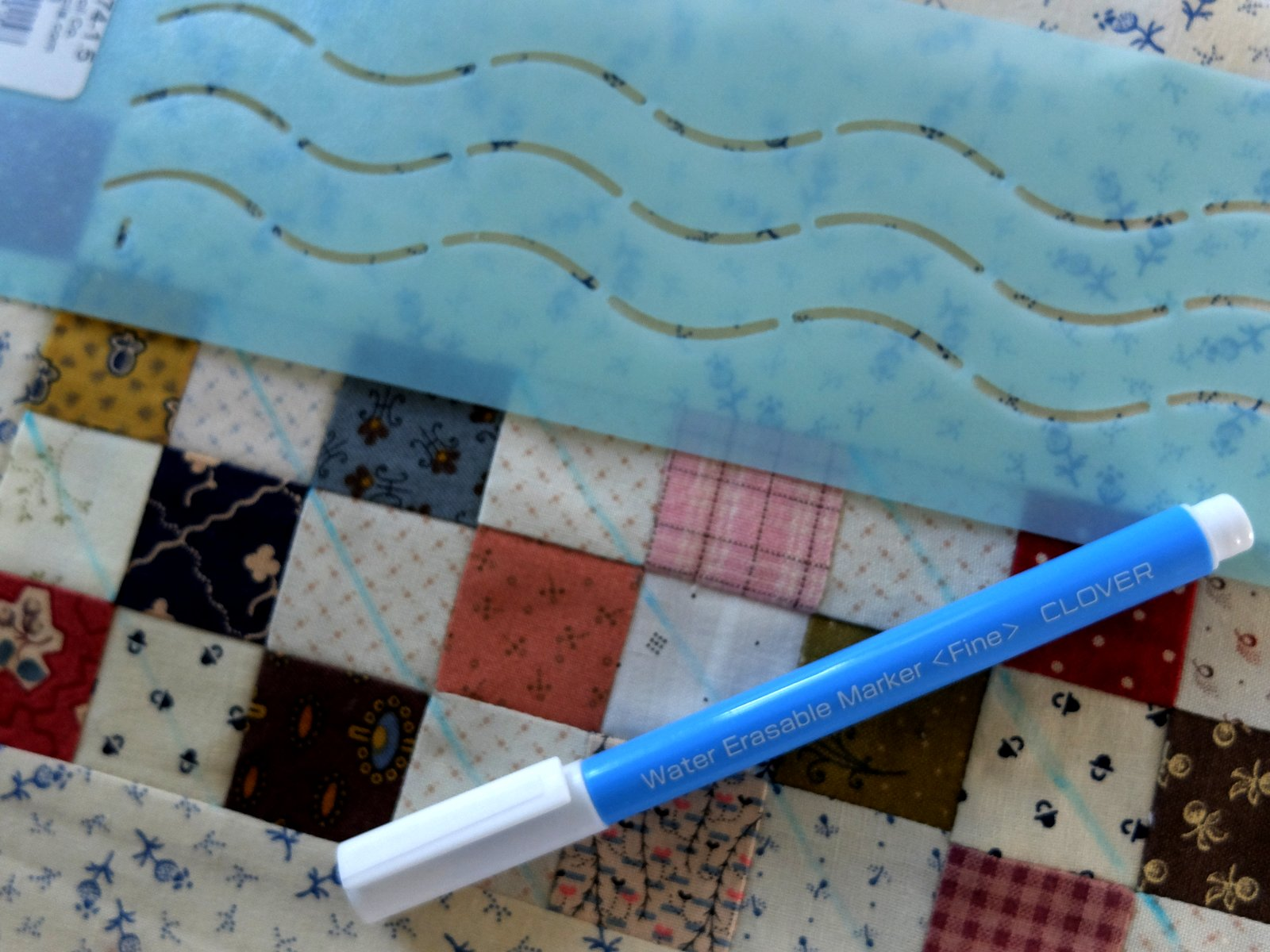 A Sentimental Quilter: Quilting with Stencils
