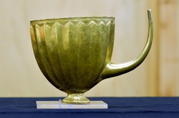 Gold cup headlines Mesopotamia exhibition