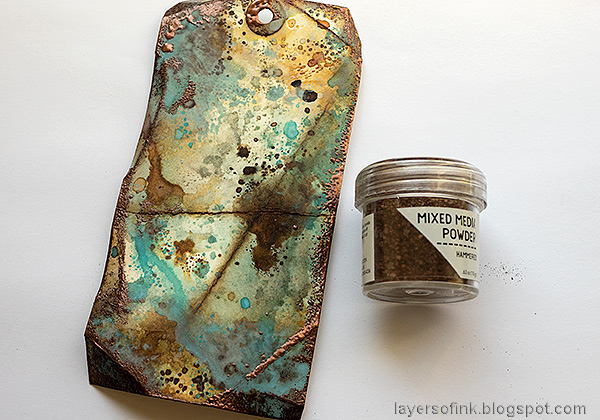Layers of ink - Grungy Tag Tutorial by Anna-Karin Evaldsson. Emboss with Mixed Media Hammered.