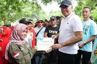 Bersama Ribuan Relawan, Wabup Bima Tanam Pohon di Kawasan DAM Pela Parado
