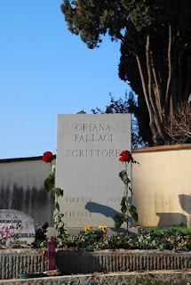 Fallaci's tomb at the Cimitero Evangelico degli Allori