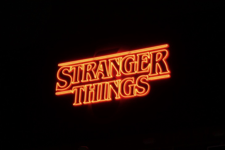 Stranger Things 3 neon billboard night