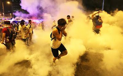 cara mengatasi gas air mata