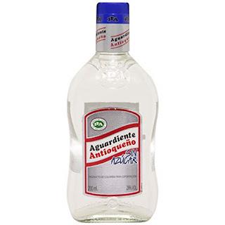 aguardiente (rum non invecchiato) di bassa qualità,