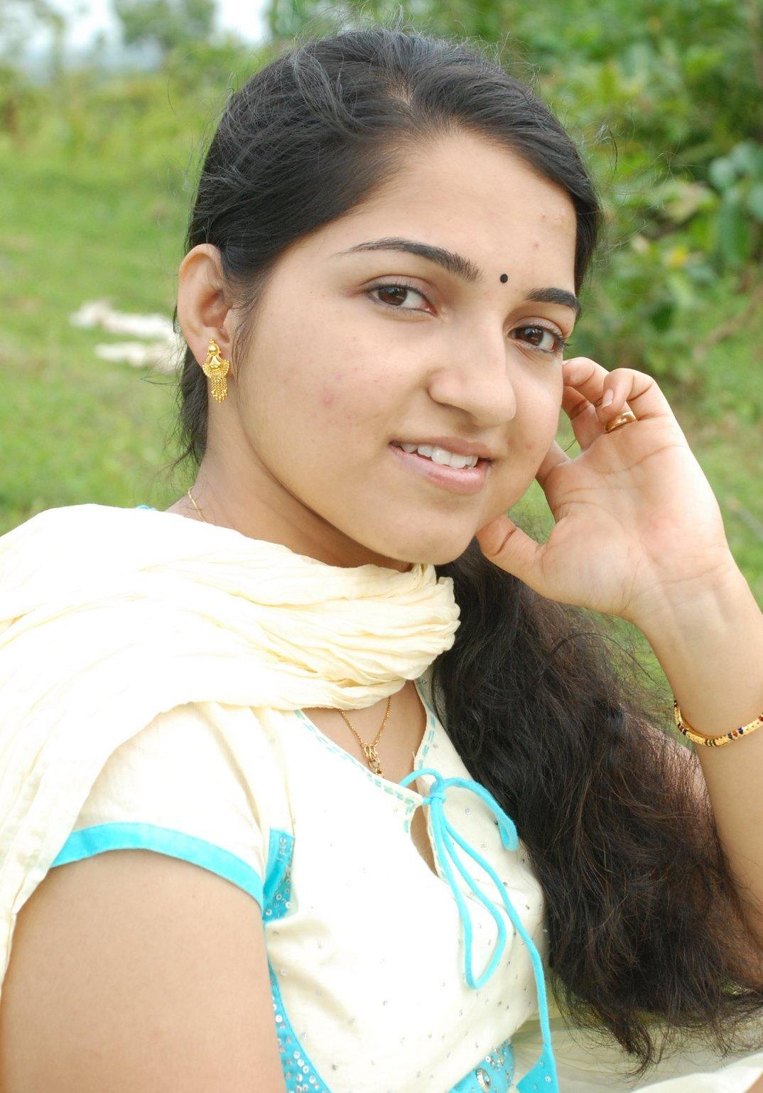 Young Desi Teen Girls Gallery 2 - Beautiful Indian Desi Girls-5664